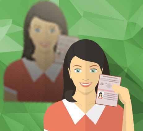 девушка с паспортом в руках