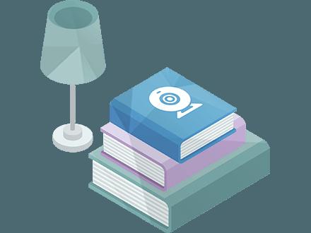 Настольная лампа и книги