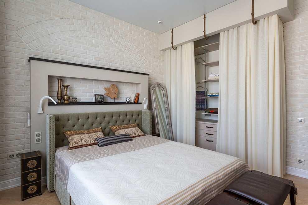 оборудованная комната в студии вебкам
