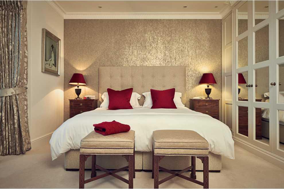 Романтичная комната в кремовых тонах