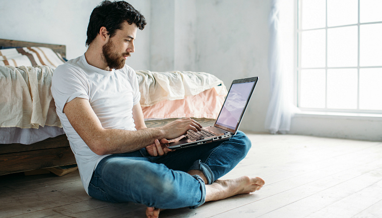 Работа веб моделью для парней дома