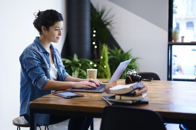 Интересная работа в вебкам сфере и доход