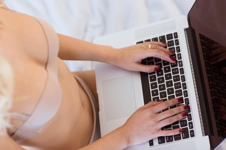 Работа вебкам моделью в минске работа бизнесмен девушка