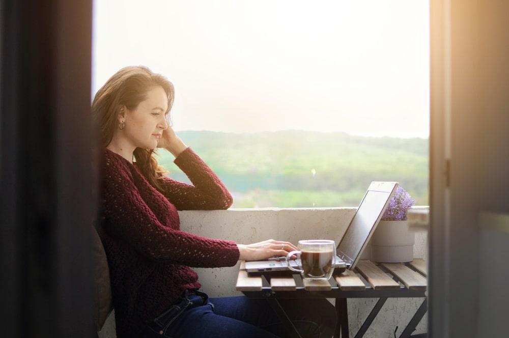 Работа в вебчате инта работа для девушки в улан удэ